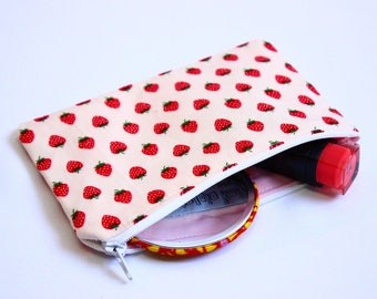 strawberries cotton purse, strawberries fabric purse, strawberry fabric cotton purse, cotton purse, fruity fabric coin purse, UK shop