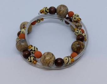 "Twisted bracelet ""deep in the Woods"". 3 turns. Wood and gemstones"