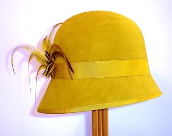 SALE Gold Felt Cloche Hat, Mustard Yellow Downton Abbey hat, Vintage inspired hat, Cloche hat, Vintage cloche hat, Felt cloche hat