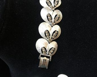 Vintage, beautiful brushed silver tone and rhinestone ART demi parure