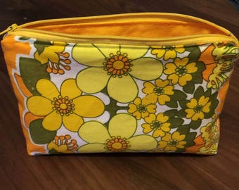 Yellow Gold & Orange Retro Zipper Pouch / Cosmetic Bag. 60s Vintage Fabric / Canvas Toiletry Bag. Bright, Bold Flower Power Accessory Case.