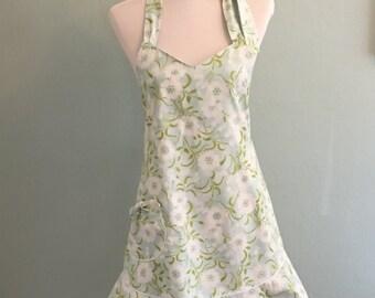 Cute Womens Handmade Flirty Apron/ Retro Apron/Vintage Apron/ Flowered Apron/ Kitchen Apron/ Hostess Apron/Cottage Apron