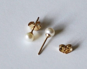 Tiny 3mm, 4mm white fresh water pearl studs- 14K gold filled earrings- small pearl earrings-  flower girl earrings- small pearl studs