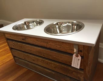 Medium/Large Stained Dog Feeder with Storage/Gray Lid