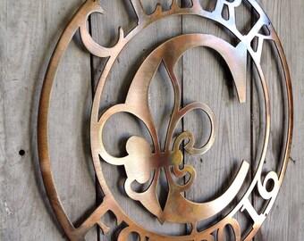 Fleur De Lis Customized Copper or Bronze Plated Metal Steel Wall Mount Personalized Fleur De Lis Center Letter