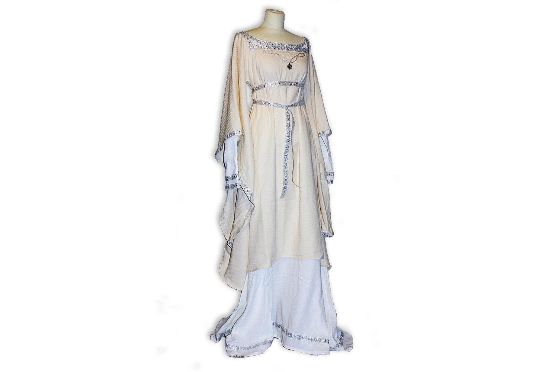 Matilda: Mittelalterliches Hochzeitskleid schön für