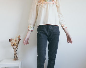 Vintage 70s Embroidered Peasant Blouse, 70s blouse, Embroidered Blouse, Boho Top, Bohemian Clothing