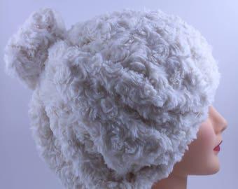 Mütze in Creme/aus weiß, lässige Kopf Accessoire, Boho-chic