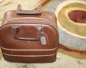 VINTAGE caramel colored STURDY bowling ball bag