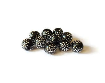 Round dots black beads silver 8mm