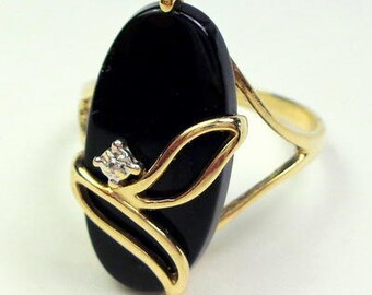 Size 7, Solid 10k Yellow Gold, Vintage Ring, Black Onyx, Diamond Accent, Estate Ring, Classy Design, Excellent Condition