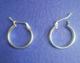 Earrings size medium in Sterling Silver, Hoop Earrings in Sterling Silver.