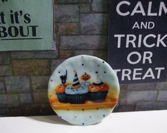 Halloween Cupcakes Dollhouse Miniature Plate 1:12 Scale