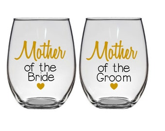Mother of the Bride Gift, Mother of the Groom Gift, Personalized mother of the bride Wine Glasses