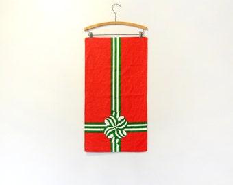 Vintage Fallani and Cohn Linen Towel / Wall Hanging - Christmas Present