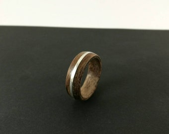 Ring by Wūūd - Thuja Root with 925 Silver Inlay