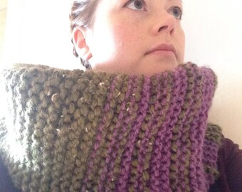 Oversized knitted cowl inspired by heather