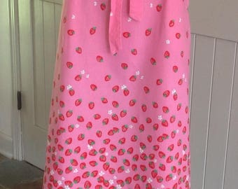 Vintage Malia Honolulu Strawberry Print Wrap Around Skirt .
