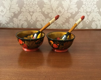 Vintage 1960s Set of Two Russian Bowls and Spoons