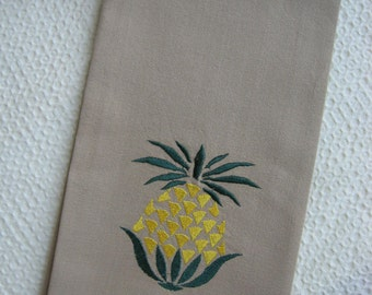 PINEAPPLE TOWEL. Tea Towel. Kitchen Towel Pineapple Gift.Pineapple fruit.Tropical Fruit.Kitchen Towel.