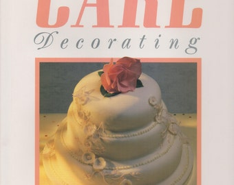 Creative Cake Decorating by Joanna Farrow. 1986 Hardcover w/ dust jacket book on cake decorating