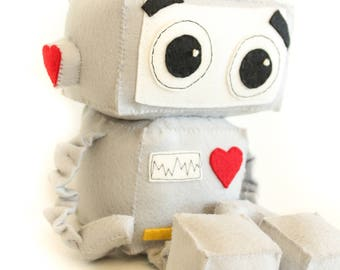Valentines Robot Toy PATTERN- Plush robot pattern and instructions