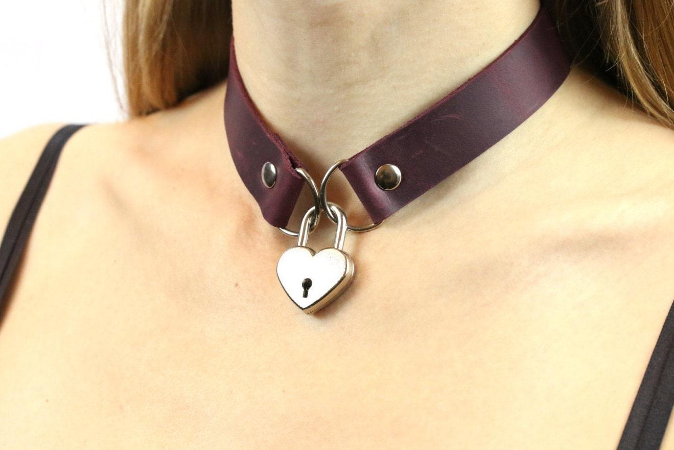 Lila Leder Halsband für Frauen Schloss Leder Halsband Halsband