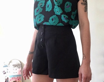 SALE / High Waisted Shorts / Black / Buttoning / Made in USA / Fake Pockets