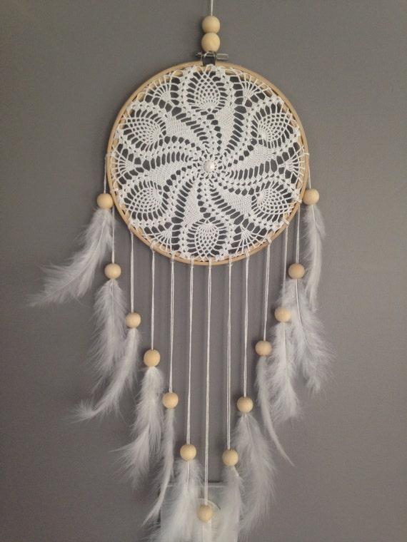 dream catcher en dentelle au crochet coloris blanc attrape. Black Bedroom Furniture Sets. Home Design Ideas