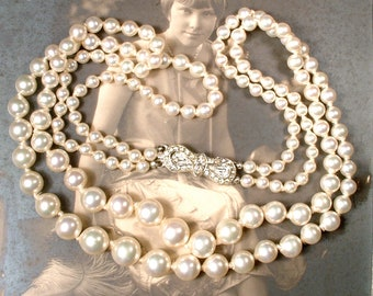 PRISTINE 1940's Glass Pearl Necklace, Vintage Wedding Two Strand Ivory Bridal Necklace, Ornate Rhinestone Clasp 1920 Art Deco Gatsby Jewelry