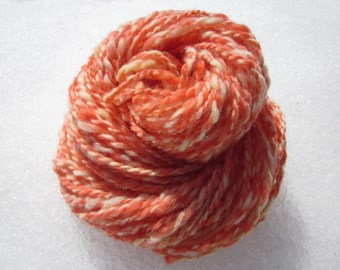 Filée main douce laine fils teints à la main limonade aux fraises, 2 oz, 46 yards