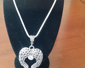 Pretty Angel's Wings Necklace