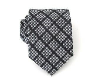 Cravatta maschile. Dama nera e argento Mens Tie
