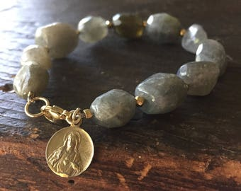 Sarikol Bracelet with Labradorite Nuggets and Gold Filled Catholic Charm - Sacred Heart and Our Lady of Fatima