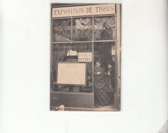 Magasin(Store) Paris Exposition De Tissus (Textiles) Circa 1910 Antique Postcard