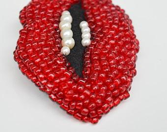 Retro lips brooch, Ruby Lips brooch, 30's brooch, dali brooch, red brooch, pearls brooch, mother brooch, vintage brooch, kiss brooch