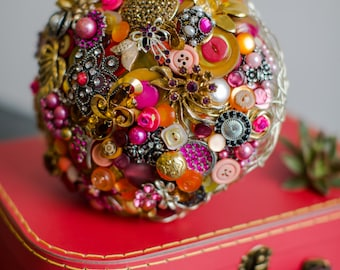 Bright brooch, button bouquet