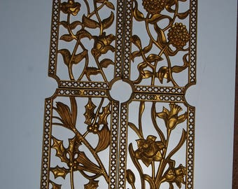 70s Turner gold plaques floral flowers 4 piece set wall hanging plastic kitchen hotel regency lattice lot Holly pine daffodil roses mums