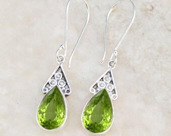 Peridot Earring,Peridot August Birthday,Birthstone jewellery,Green Peridot Earring,Handmade Jewelry,weddings Gift Women Silver Stone earring