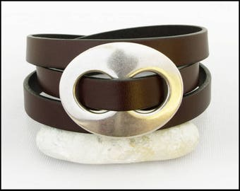 Leather Wrap Bracelet, Women's Leather Bracelet, Triple Wrap Leather Bracelet with Silver Oval, Leather Jewelry for Women