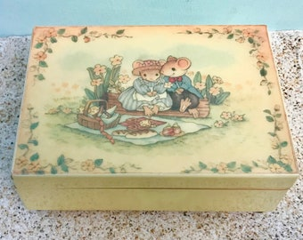 Vintage Little Cheesers Music Jewelry Box