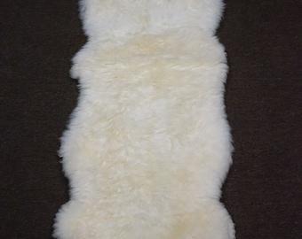 Australia Sheepskin Fur [Size: 5'9 x 2 ft] - CS301