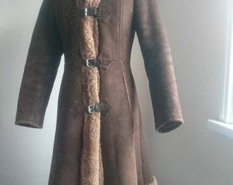 Gorgeous snug genuine shearling coat, 70's, Finnish designer duffle with hood UK 8 eu36 brown sheepskin wool
