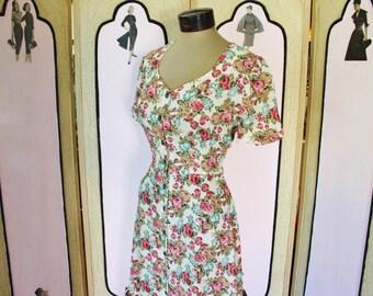 Vintage 1990's Romantic Floral Rayon Dress. Medium.