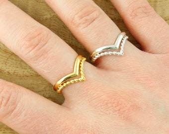 Twisted Chevron Ring