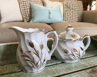 Lefton China Handpainted Wheat Creamer and Covered Sugar Bowl 20183 Golden Wheat Pattern with Gold Trim Farmhouse Cottage Shabby TYCAALAK