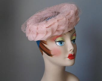 Pink Circle Hat  / Vtg 60s / Union Made pink circle hat with net