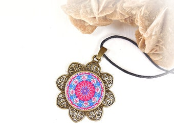 Mandala cabochon balance necklace, cheap jewel under 20 dollars, ethnic talisman locket, anniversary bestfriend gift, supernatural jewelry.