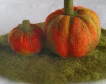 Needle felted Pumpkins. Autumn. Seasonal table. Home decoration.  Waldorf inspired.