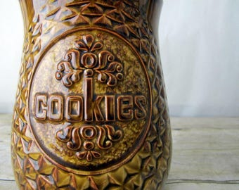 Large 1960's Vintage McCoy Cookie Jar - Brown and Gold with a Lid